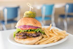 peacock diner cheeseburger